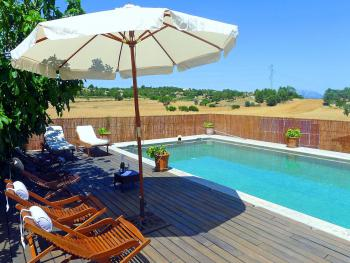 Private Finca mit Pool in ruhiger Lage