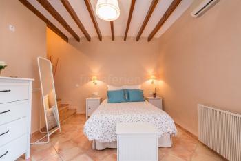 Schlafzimmer mit Klimaanlage, Terrassenzugang