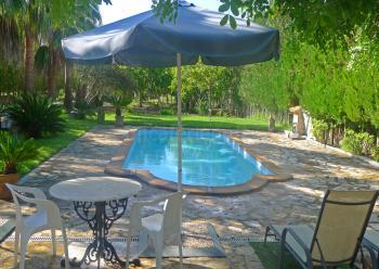 Ferienhaus für 2 Personen mit Pool und Garten