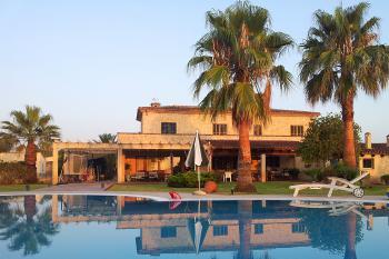Komfortable Finca mit Pool für 8-9 Personen