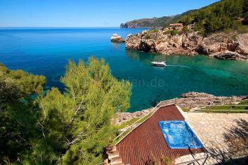 Ferienhaus mit Jacuzzi und Meerblick