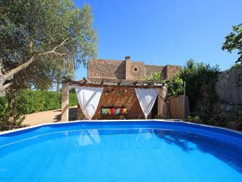 Mallorquine Finca mit Pool bei Sa Rapita