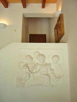 Engel am Treppenaufgang