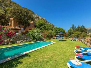 Ferien in Finca mit Pool