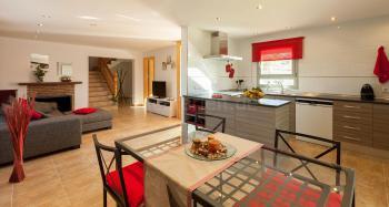 Offen gestalteter Wohn- und Essbereich