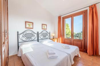 Schlafzimmer mit schönem Ausblick