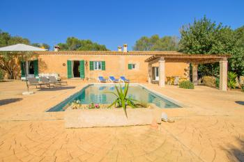 Restaurierte Finca mit Pool für 6 Personen