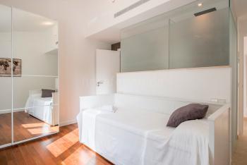 Schlafzimmer mit Einzelbett und