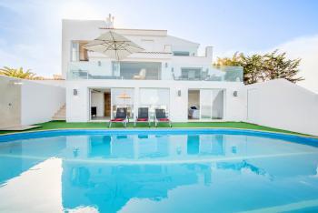 Villa am Meer mit Pool und Klimaanlage