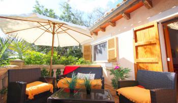 Private Terrasse im Eingangsbereich