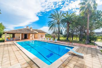 Finca mit großem Pool für 11 Personen