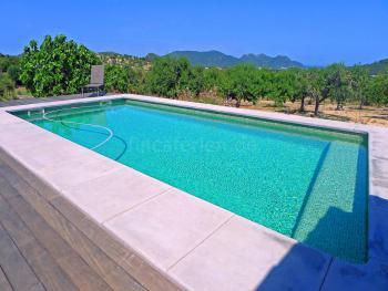 Große, moderne Finca mit Pool