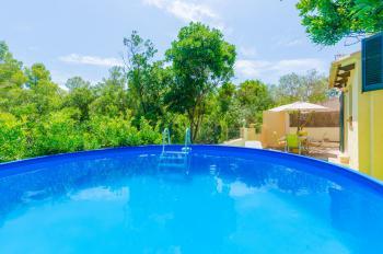 Strandnahes Ferienhaus mit kleinem Pool