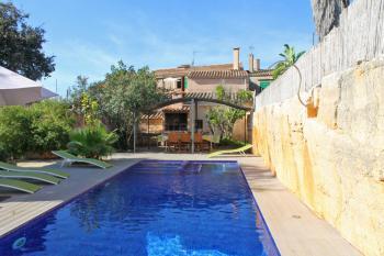 Großes Ferienhaus mit Pool in Santanyi
