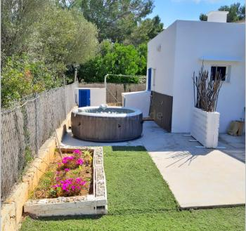 Ferienhaus für 2-4 Personen mit Whirlpool