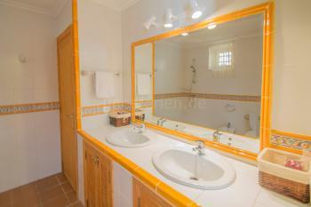 Badezimmer - Erdgeschoss
