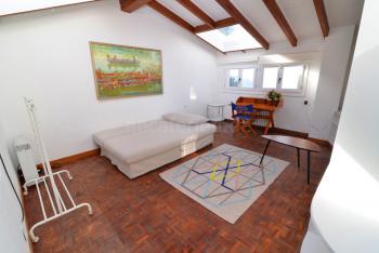 Kleiner Wohnraum oben