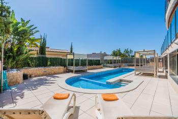 Exklusive Villa für 10 Personen mit Pool