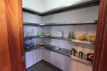 Speisekammer neben der Küche