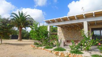 Finca mit Pool, Garten und Terrasse