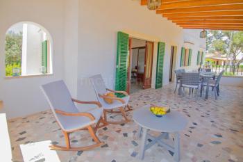 Überdachte Terrasse - Ferienhaus in Portocolom