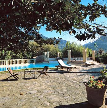 Finca-Hotel mit Pool in Soller