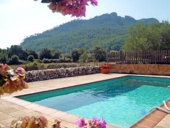 Finca mit eingezäuntem Pool
