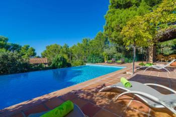 Finca mit Pool in George Sand