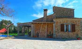 Ferien auf Mallorca - Finca mit Pool bei Arta