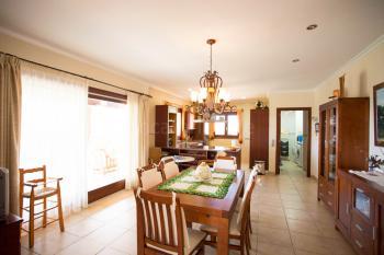 Essbereich mit Blick zur Küche