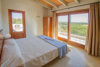 Schlafzimmer oben mit privater Terrasse
