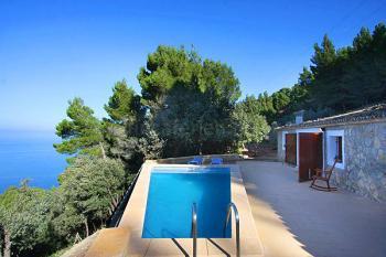 Finca mit Terrasse und Pool