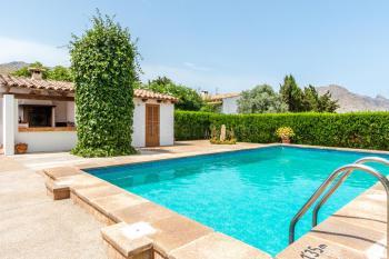 Außenküche und privater Pool