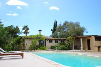 Finca mit Pool und Internet nahe Algaida