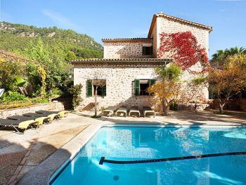 Finca mit Pool in Valldemossa