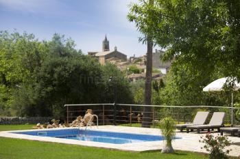 Kleine Finca mit Pool bei Llubi