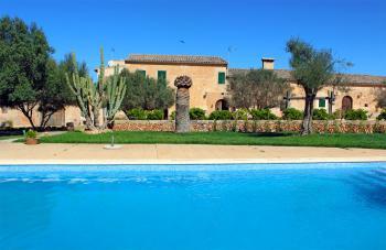Finca mit Pool nahe Campos