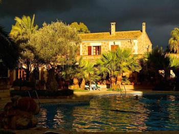Finca-Hotel mit Klimaanlage im Süden Mallorcas