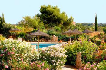 Landgut mit Pool und Garten