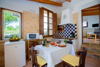 Küche mit Essplatz - Apartment 5