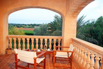 und privater Terrasse