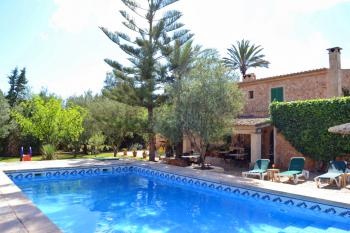 Finca-Hotel mit Pool bei Campos