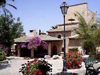 Finca Mallorca mit neun Apartments
