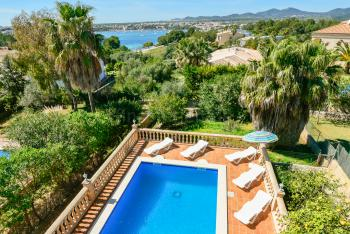 Ferienhaus mit Pool und Tollem Meerblick