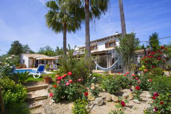 Finca mit Klimaanlage, Garten und Pool