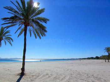 Sandstrand in der Bucht von Alcudia