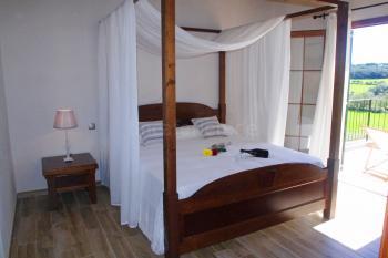 Schlafzimmer mit privatem Balkon