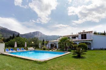 Ferienhaus mit Pool und Garten bei Pollenca