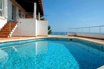 Komfortable Villa mit Pool für 6 Personen