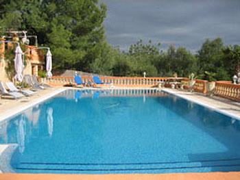 Großer Pool - 6 x 14 qm -